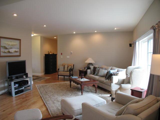 Living Room - Short Walk to Beach - 5 bedroom lovely home - BA0257 - Barnstable - rentals