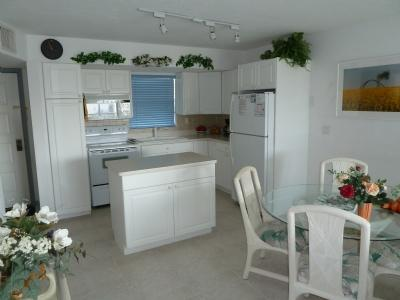 Dining Area & Living View - Perfect unit in Great Waterfront Resort near Town - Marco Island - rentals