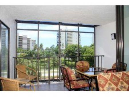 Sunset Views from Comfortable Balcony - Only steps to the Beach from this Cozy Island Condo ! - Marco Island - rentals