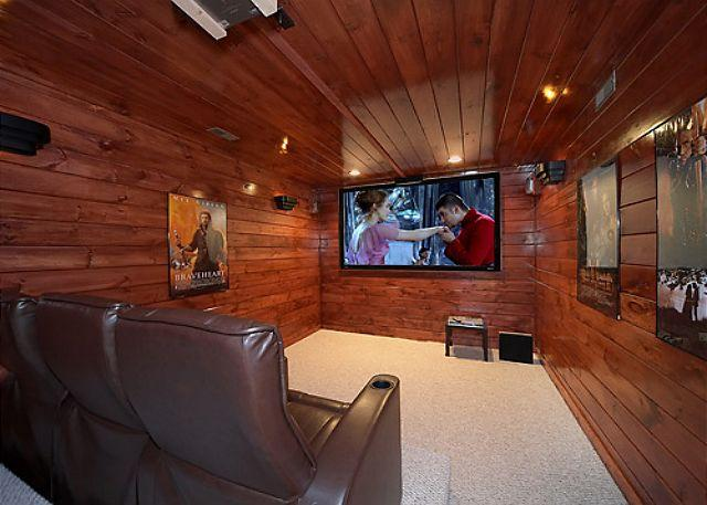 5 Bedroom Luxury Gatlinburg Cabin with Home Theater Room - Image 1 - Gatlinburg - rentals