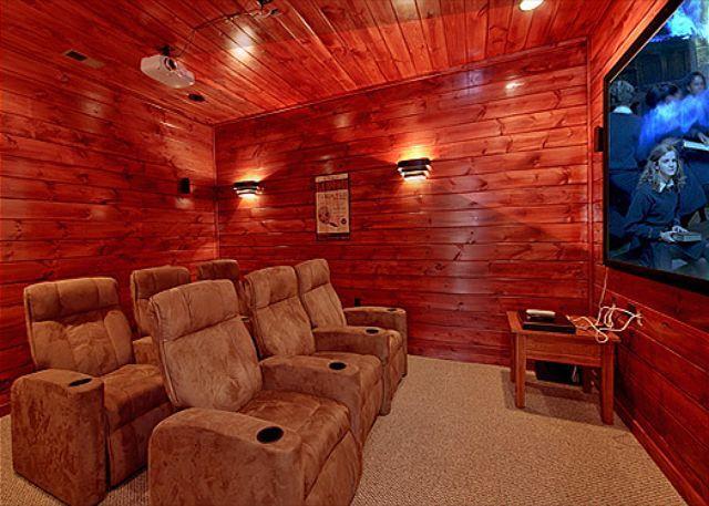 3 Bedroom Gatlinburg Cabin with Home Theater Room - Image 1 - Gatlinburg - rentals