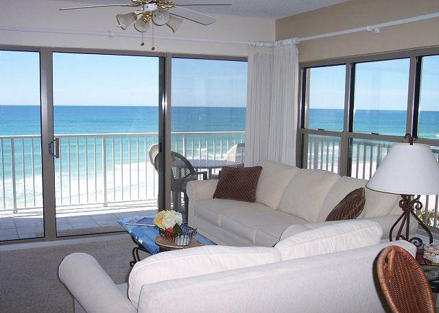 Living Room View - ETW 3007: Custom floorplan! Wireless Internet, HDTV, pool, FREE BEACH SERVICE - Fort Walton Beach - rentals