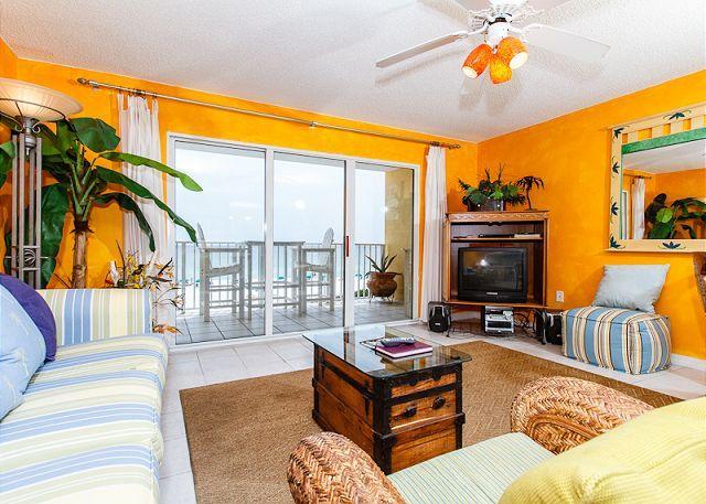 Living Room - GD 307:Peaceful beachview retreat-balcony,WiFi,BBQ,tennis,pool,FREE BCH SVC - Fort Walton Beach - rentals