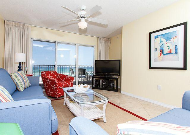 Living Room - GD 312:Relaxing beach getaway-garage parking,WIFI,pool,tennis,BBQ,FREE BCH SV - Fort Walton Beach - rentals