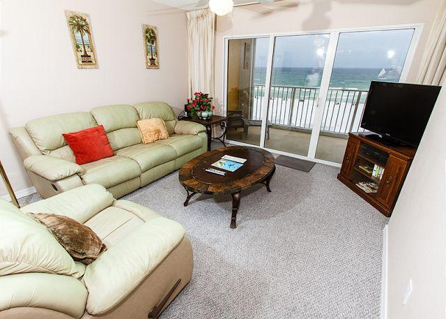 Living Room - GD 408:UPDATED beachfront condo!WiFi,LCD TVs,pool,BBQ,tennis, FREE BCH SVC - Fort Walton Beach - rentals
