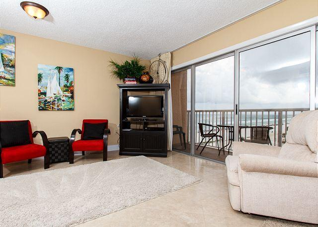 Living Room - #606:Great beachside condo-full kitchen,laundry,balc,BRAND NEW!BEACH SVC - Fort Walton Beach - rentals