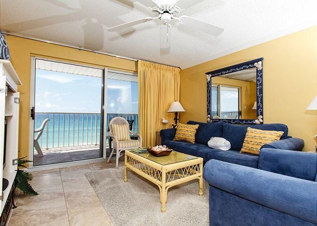 Living Room - TP 502: Fantastic beach front, 2KING BEDS, WiFi,FREE beach service+snorkeling - Fort Walton Beach - rentals