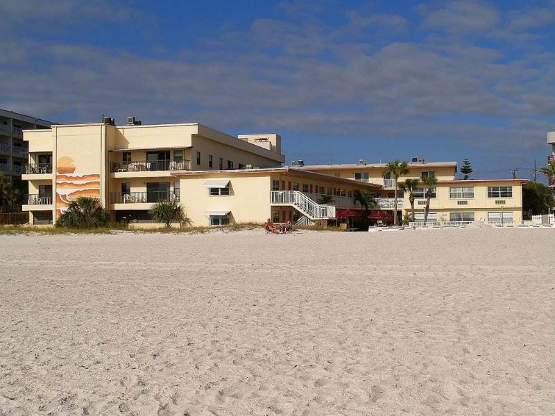 #114 at Surf Song Resort - Image 1 - Madeira Beach - rentals