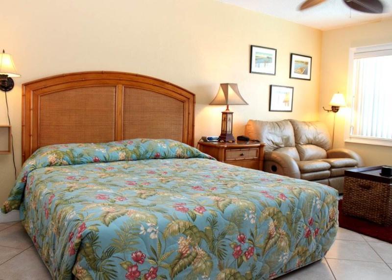 #226 at Surf Song Resort - Image 1 - Madeira Beach - rentals