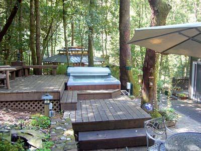 Falling Leaf Vacation Rental, Back Patio with Spa / Hot Tub - Falling Leaf - Guerneville - rentals