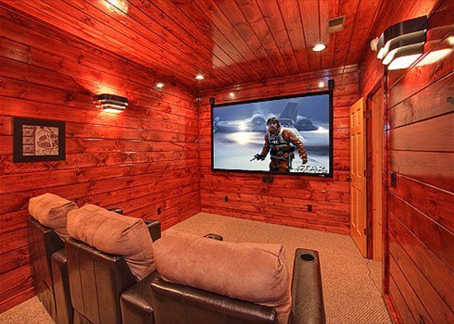 4 Bedroom, 4.5 Bath Luxury Cabin with Home Theater Room and Sauna - Image 1 - Gatlinburg - rentals