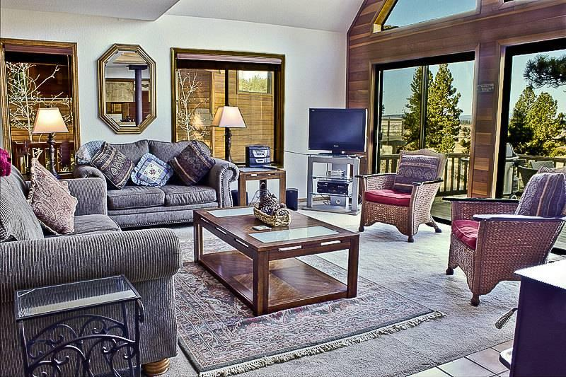 Northstar Home, on Golf Course, slps 12, rec. center - Image 1 - Truckee - rentals
