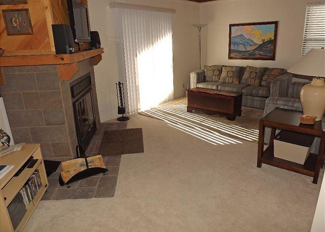 TH205I Fantastic Condo w/Wifi, Clubhouse, Mountain Views, Fireplace - Image 1 - Silverthorne - rentals