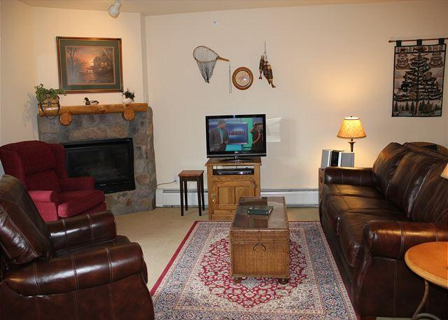 TF2664 Pretty Condo w/Fireplace, Wifi, Walk to Lifts, Common Hot Tubs - Image 1 - Keystone - rentals