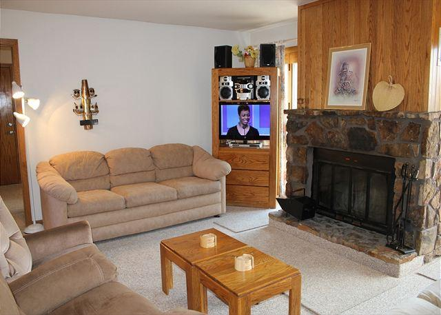 BV103BB Cute Condo w/ Elevator, Wifi, Fireplace, Clubhouse - Image 1 - Silverthorne - rentals