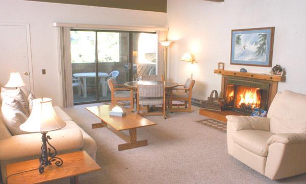 Super Condo with 3 Bedroom & 2 Bathroom in Incline Village (8FP) - Image 1 - Incline Village - rentals