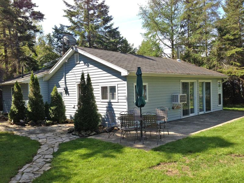 Lookabout Bay Sunset cottage (#270) - Image 1 - Lions Head - rentals
