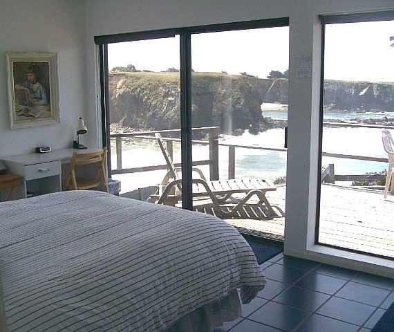 Master bedroom with spectacular ocean front views. - Ebbtide - Ebbtide - Gualala - rentals
