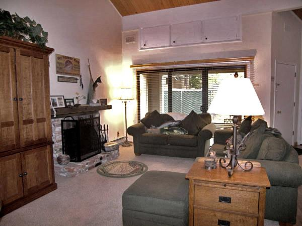 Nice Condo in Incline Village (67FP) - Image 1 - Incline Village - rentals