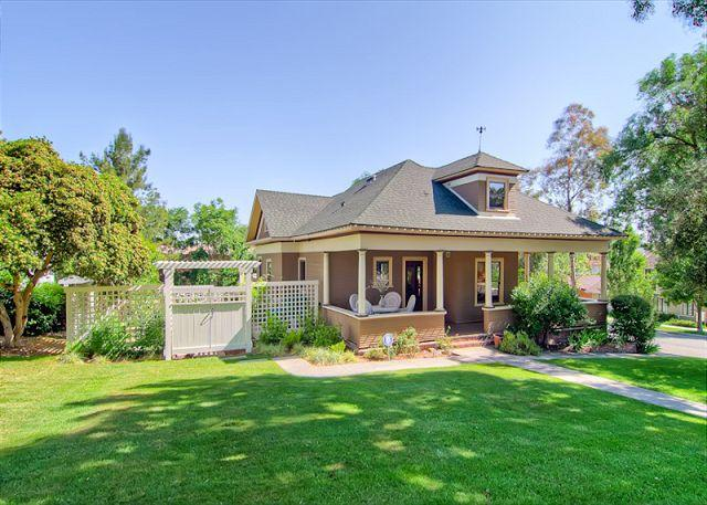 Exterior - Downtown Diggs - Paso Robles - rentals