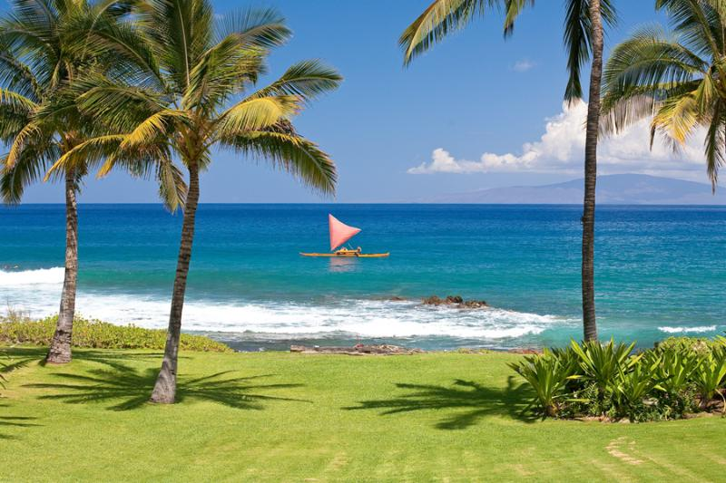 Stunning Oceanfront Playground Right At Your Doorstep. Hire an authentic Sailing Canoe from the Fairmont Kealani Resort Nearby. - Wailea Sunset Bungalow - Maui - rentals