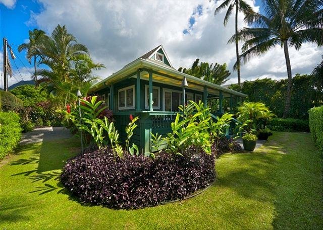 10% off available summer dates! Hanalei beachfront home,Pine Trees surf spot - Image 1 - Hanalei - rentals