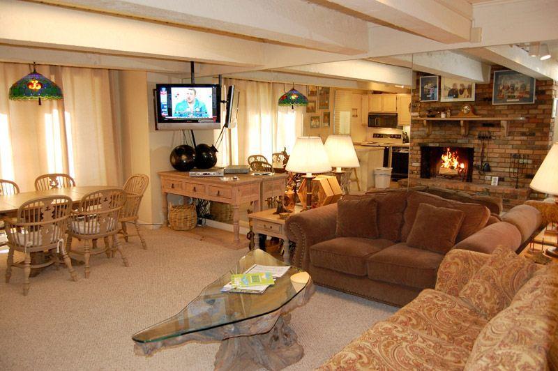 living-1.jpg - Chateau Roaring Fork Unit 16 - Aspen - rentals