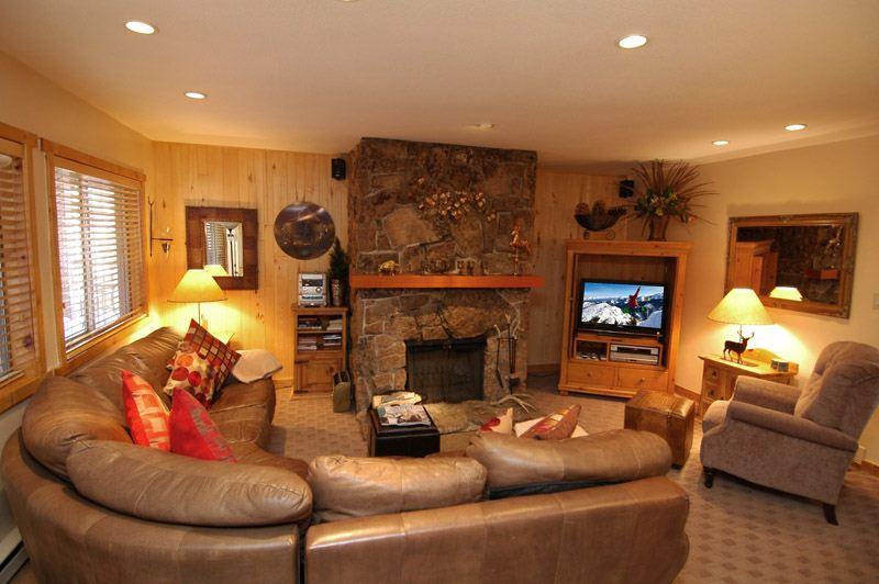 living_area_1a.jpg - Silver Glo Uint 208 - Aspen - rentals