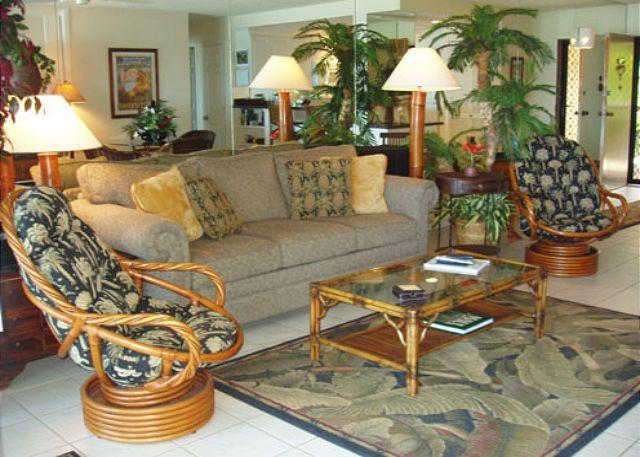 Living Room - A203 Hololani Oceanfront  Resort - Lahaina - rentals