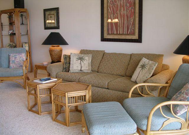 Living Room - B803 Hololani Oceanfront Resort - Lahaina - rentals