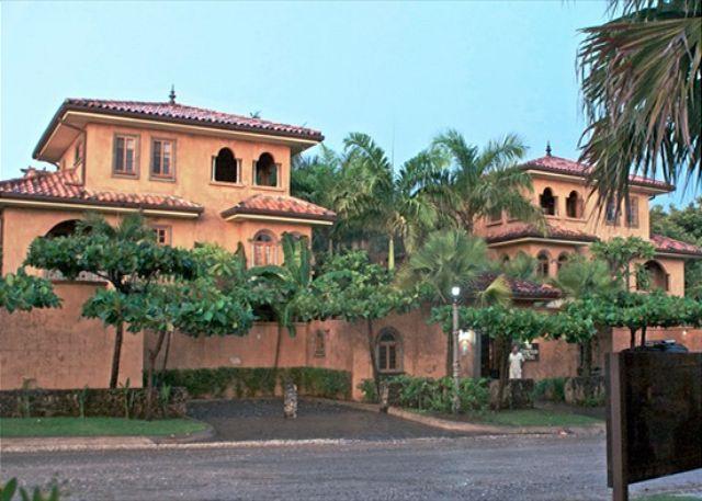 Courtyard - Luxurious vacation villa- near beach, a/c, gas grill, kitchen - Tamarindo - rentals