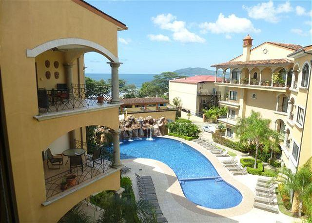 Beautiful View from Condo - Beautiful penthouse condo- near beach, shared pool, partial ocean view - Tamarindo - rentals
