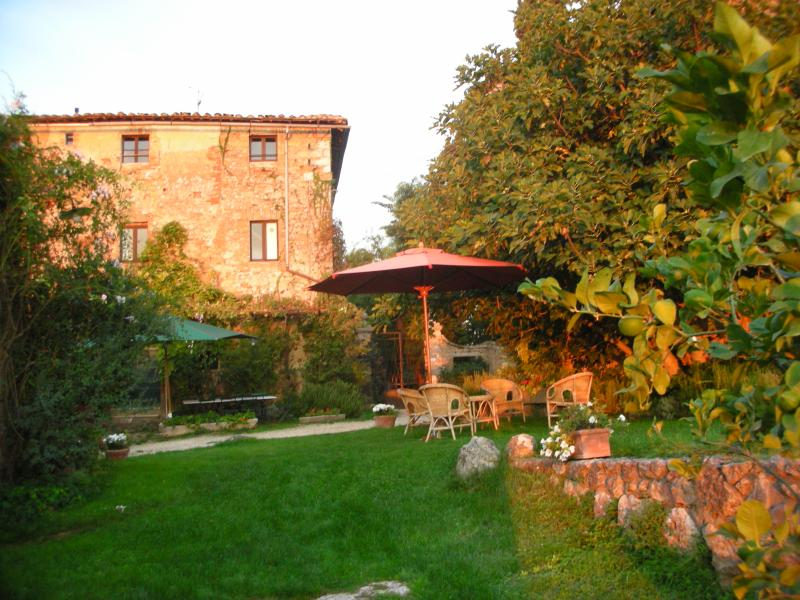 Farmhouse on Historic Estate in the Chianti - Monteriggioni - La Casa - Image 1 - Monteriggioni - rentals