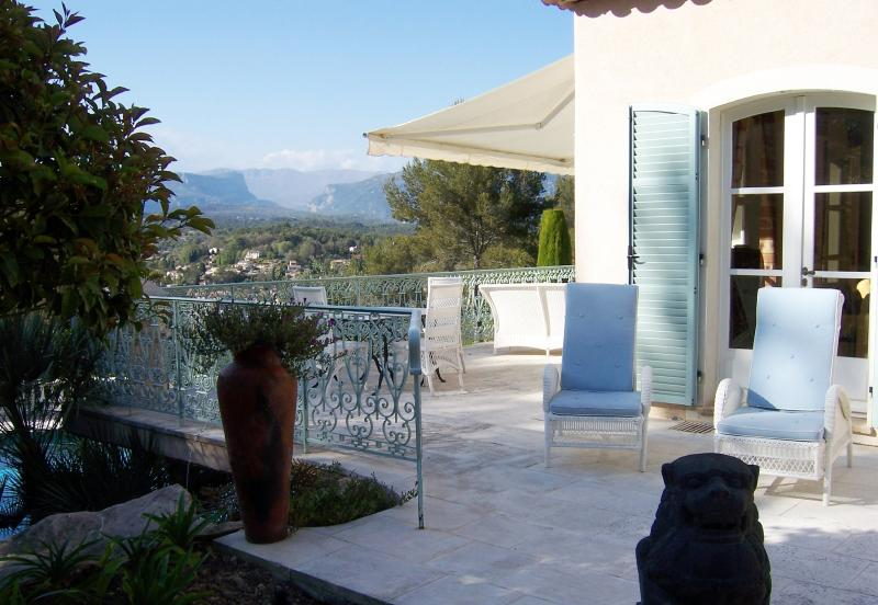 Beautiful 3 Bedroom Villa with a Pool, in Provence - Valbonne - Image 1 - Valbonne - rentals