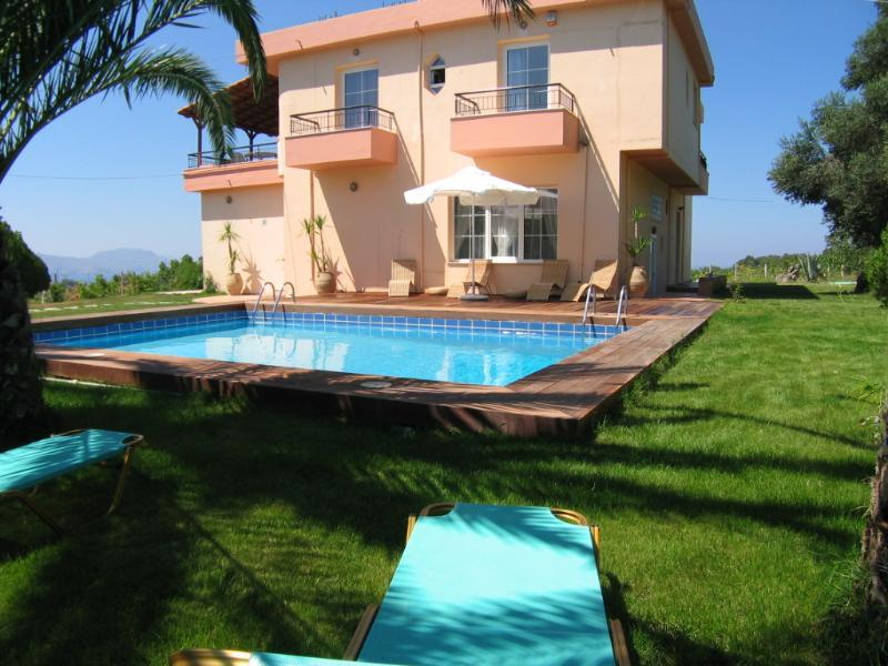 Family Holiday Villa in Crete - Villa Apollo - Image 1 - Rethymnon - rentals