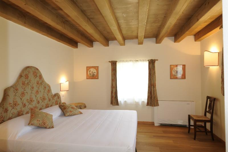 Lovely Villa with Spectacular Views of Lake Maggiore - Villa con Vista - Image 1 - Laveno-Mombello - rentals
