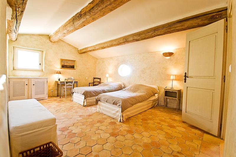 Large Luxury Villa in Provence with a Pool and Tennis Court  - Villa de Banon - Image 1 - Simiane-la-Rotonde - rentals