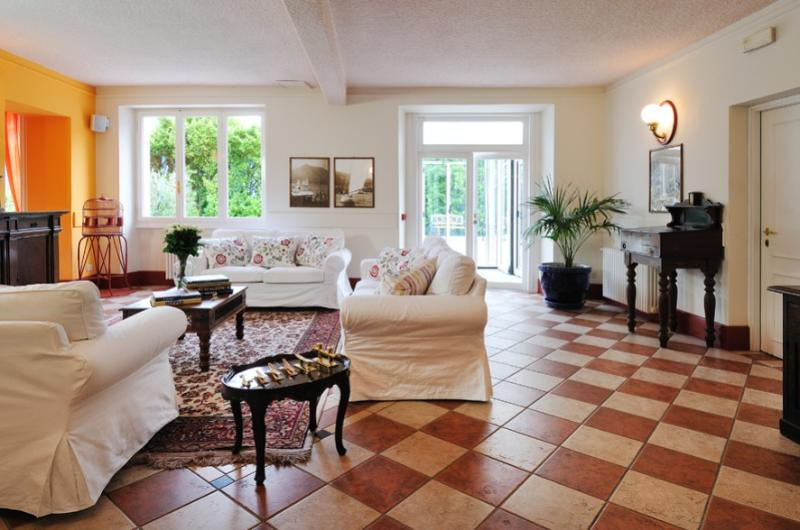 Luxury Villa on Lake Como with Pool  - Villa Lariana - Image 1 - Pianello del Lario - rentals
