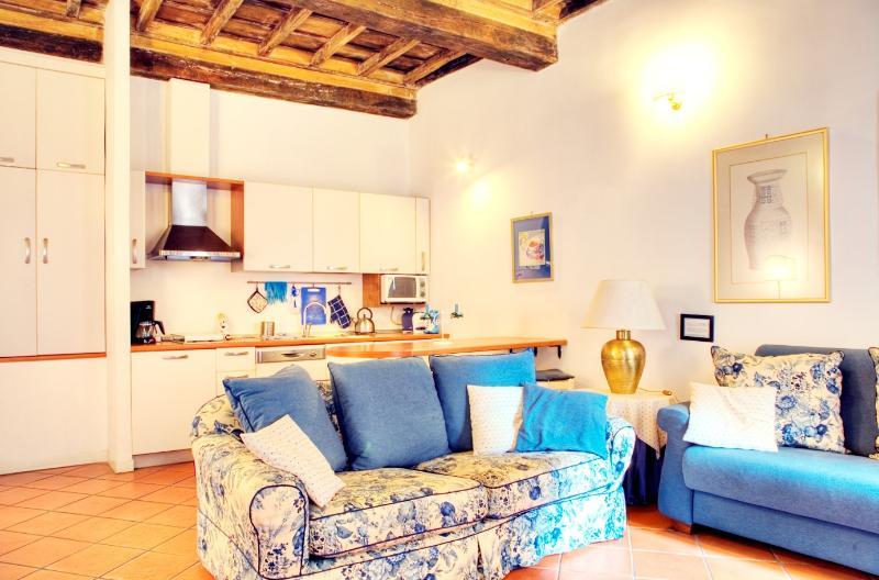 Rome Apartment Rental in the Historic Center - Campo dei Fiori - Marcus Aurelius - Image 1 - Rome - rentals