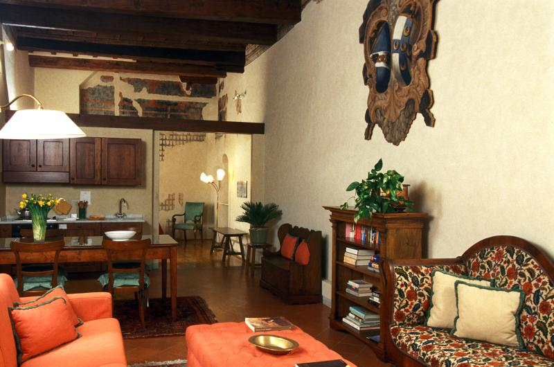 Great Accommodation in Florence - Piazza Santa Croce - Taddeo - Image 1 - Florence - rentals