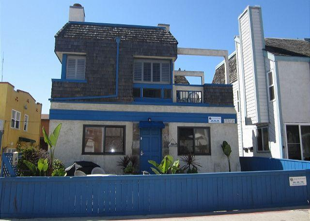 Lower Unit. - Sandy's Beach House - Pacific Beach - rentals
