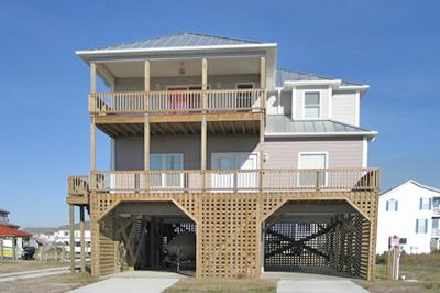 Street side view of 302 Marina Way - Marina Way 302 - North Topsail Beach - rentals