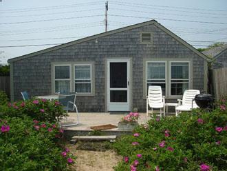 Charming House with 1 Bedroom, 1 Bathroom in Nantucket (3540) - Image 1 - Nantucket - rentals