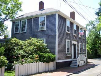 Idyllic 5 Bedroom/3 Bathroom House in Nantucket (8529) - Image 1 - Nantucket - rentals