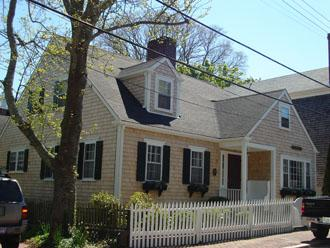 Perfect 4 Bedroom, 3 Bathroom House in Nantucket (8648) - Image 1 - Nantucket - rentals