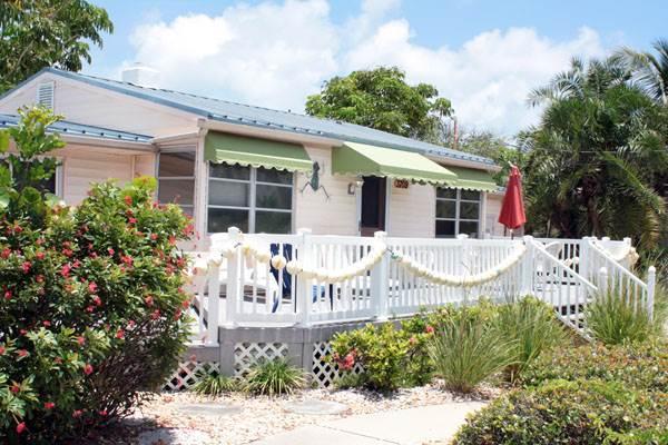 Anna Cabana Beach House - Image 1 - Holmes Beach - rentals