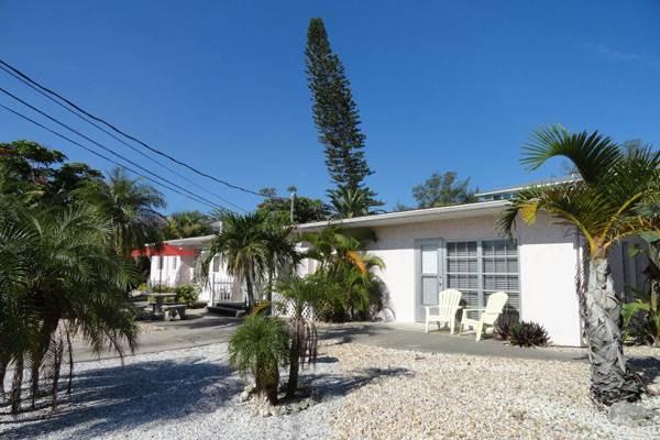 Anna Cabana Bungalow #2 - Image 1 - Holmes Beach - rentals