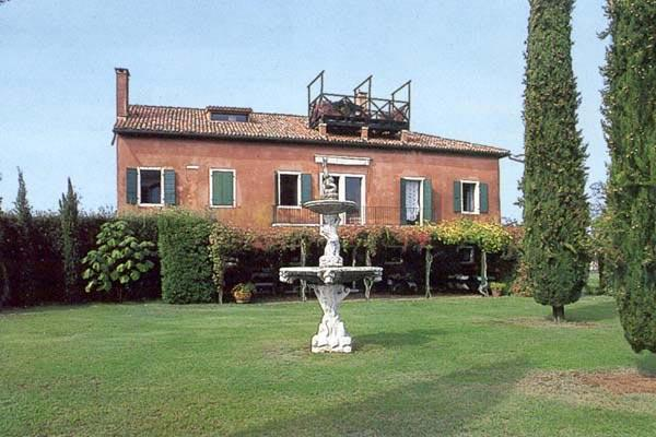 This villa was completely restored and is beautifully furnished with antiques. The pool is on a small hill overlooking the garden. Visit other locations via Vaporetto or water taxi. SAL SGI - Image 1 - Venice - rentals