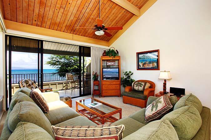 Ocean Front 2 Bedroom Deluxe Condo Unit 38 - Image 1 - Lahaina - rentals
