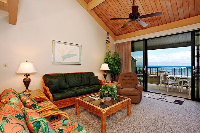 Ocean Front 2 Bedroom Deluxe Condo Unit 39 - Image 1 - Lahaina - rentals